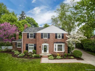 Grosse Pointe Park Single Family Home For Sale: 1015 Bedford Rd