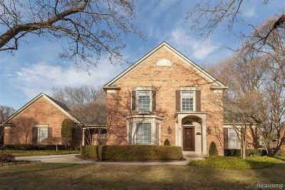 Grosse Pointe Farms Single Family Home For Sale: 34 Briarwood Pl