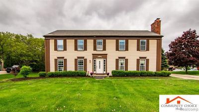 Oakland Single Family Home For Sale: 5226 Cedarhurst Dr