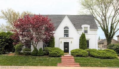 Wayne Single Family Home For Sale: 36 Colonial Rd
