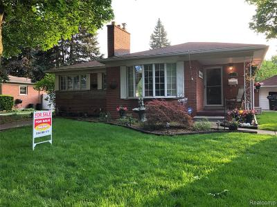 Allen Park Single Family Home For Sale: 9804 Chatham Ave