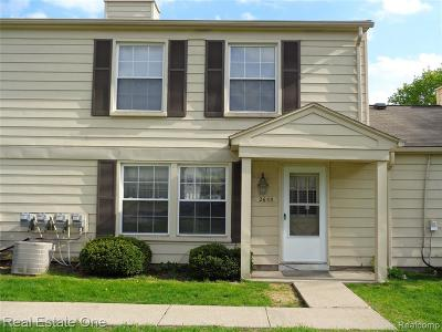 Lake Orion Condo/Townhouse For Sale: 2653 Pineridge Crt