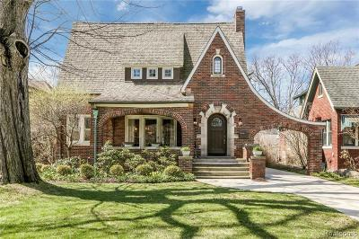 Grosse Pointe Single Family Home For Sale: 641 Washington Rd