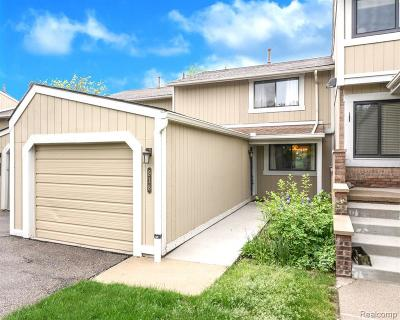 Northville Condo/Townhouse For Sale: 918 Williamsburg Crt