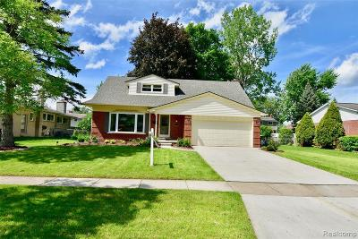 Livonia Single Family Home For Sale: 34636 Wood St
