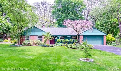 Bloomfield Hills Single Family Home For Sale: 4197 Orchard Hill Dr