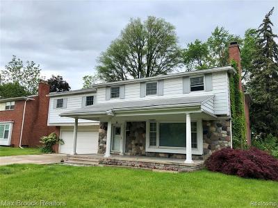 Pleasant Ridge Single Family Home For Sale: 16 Millington Rd