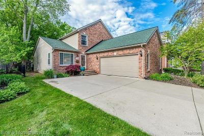 Royal Oak Single Family Home For Sale: 4330 Sheridan Dr