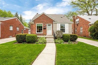 Berkley Single Family Home For Sale: 2658 Oakshire Ave