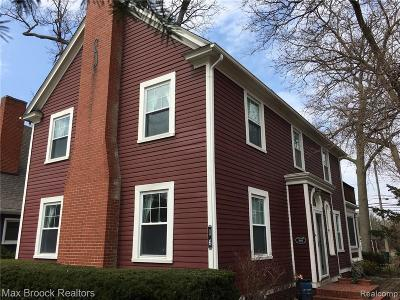 Pleasant Ridge Single Family Home For Sale: 16 Woodside Park Blvd