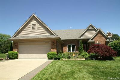 Livonia Single Family Home For Sale: 37670 Kingsburn Dr