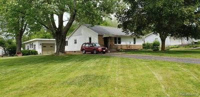 Lapeer Single Family Home For Sale: 1267 Bowers Rd