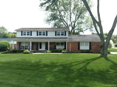 Shelby Twp Single Family Home For Sale: 5310 Fieldcrest Dr