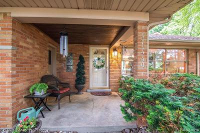 Livonia Single Family Home For Sale: 31440 Curtis Rd