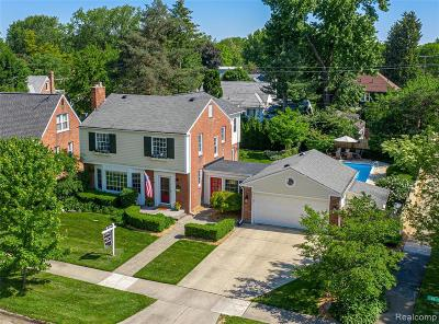 Royal Oak Single Family Home For Sale: 4404 N Verona Cir