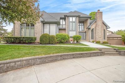 Farmington Hills Single Family Home For Sale: 30045 Fox Club Dr