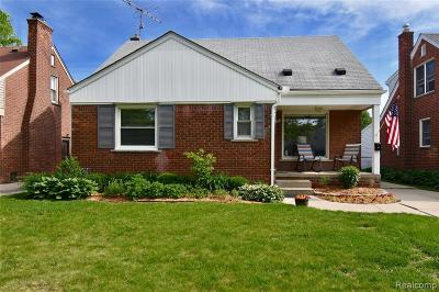 Grosse Pointe Woods Single Family Home For Sale: 1198 Brys Dr