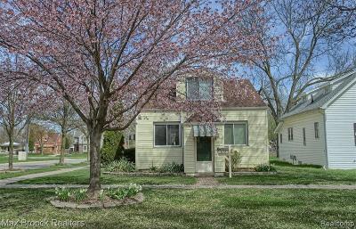Berkley Single Family Home For Sale: 3186 Royal Ave