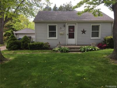 Dearborn Heights Single Family Home For Sale: 6441 N Silvery Ln