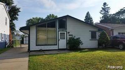 Dearborn Heights Single Family Home For Sale: 25267 Hopkins St