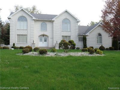 Farmington Hills Single Family Home For Sale: 26390 Hidden Valley Dr
