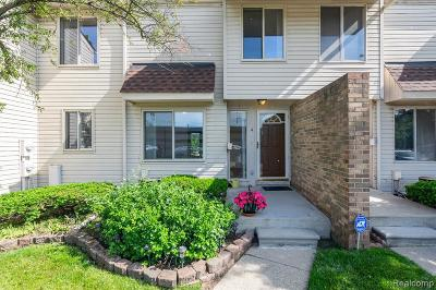 Southfield Condo/Townhouse For Sale: 4 Richmond Towne St