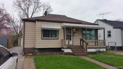 Lincoln Park Single Family Home For Sale: 560 Detroit Ave