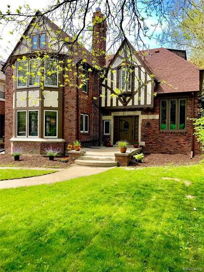 Detroit Single Family Home For Sale: 2224 W Boston Blvd