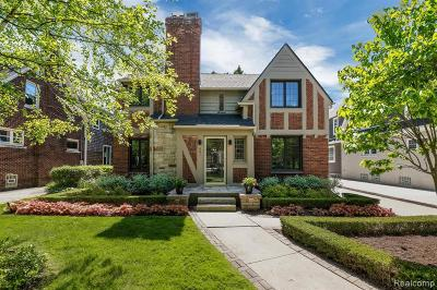 Grosse Pointe Single Family Home For Sale: 681 Washington Rd