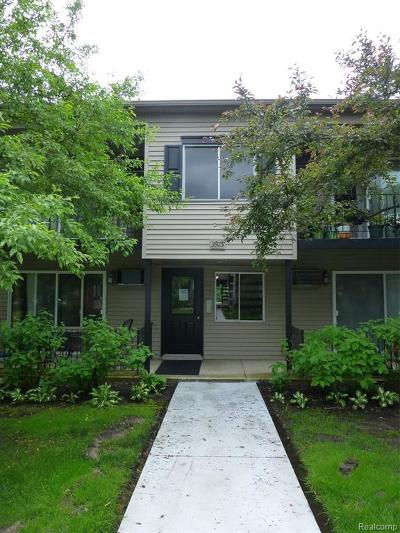 Royal Oak Condo/Townhouse For Sale: 3915 Benjamin Ave