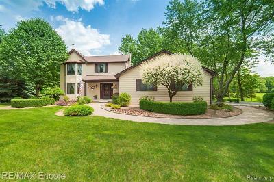 Clarkston Single Family Home For Sale: 3345 Oakhill Pl