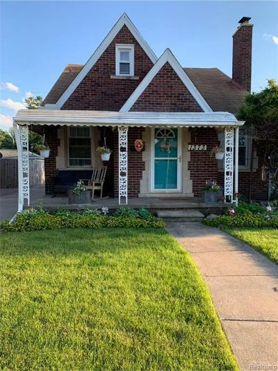 Lincoln Park Single Family Home For Sale: 1373 Garfield Ave