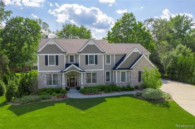 Bloomfield Hills Single Family Home For Sale: 342 Roanoke Dr
