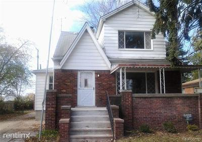 Macomb Multi Family Home For Sale: 22061 Beechwood Ave