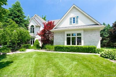 Clarkston Single Family Home For Sale: 4888 Knollwood Crt