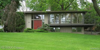 Rochester Hills Single Family Home For Sale: 758 Ironstone Dr