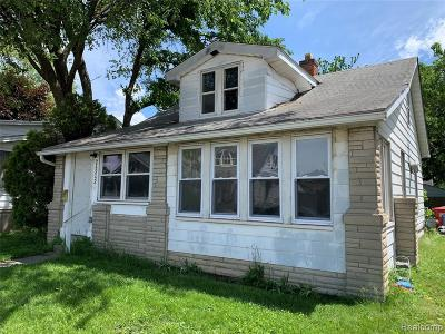 Eastpointe Single Family Home For Sale: 24242 Melrose Ave