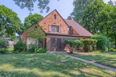 Wayne Single Family Home For Sale: 660 Burroughs St