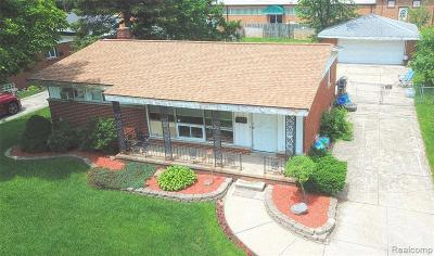 Wayne Single Family Home For Sale: 17675 Dolores St