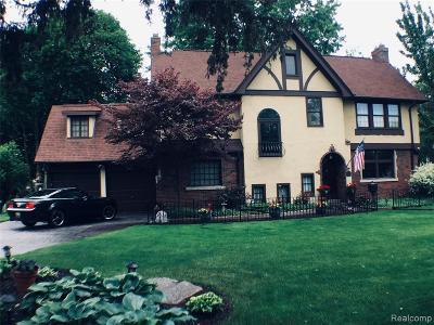 Pleasant Ridge Single Family Home For Sale: 16 Poplar Park Blvd