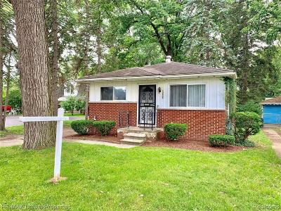 Livonia Single Family Home For Sale: 19805 Inkster Rd