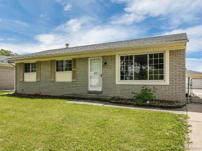 Taylor Single Family Home For Sale: 25045 Darin St