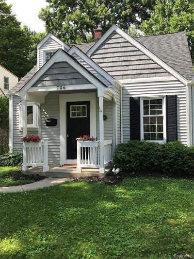 Royal Oak Single Family Home For Sale: 706 Royal Ave