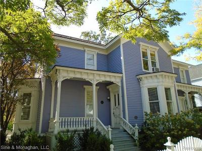 Oakland Single Family Home For Sale: 211 Townsend St