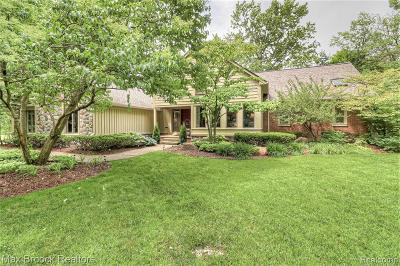 Bloomfield Hills Single Family Home For Sale: 3361 Squirrel Rd
