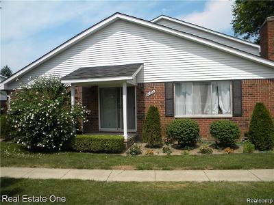 Clinton Township Condo/Townhouse For Sale: 42232 Toddmark Ln