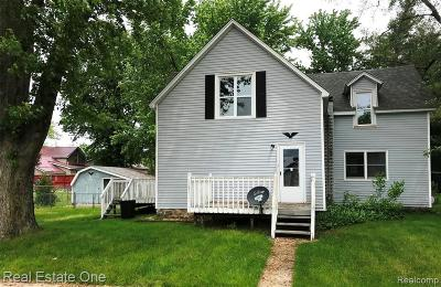 Lapeer Single Family Home For Sale: 4428 Central St