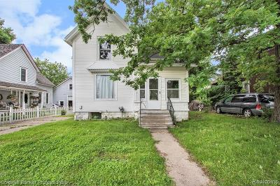 Lapeer Single Family Home For Sale: 1226 W Genesee St