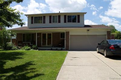Chesterfield  Single Family Home For Sale: 50049 Foxcrest St