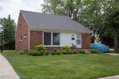 Huntington Woods Single Family Home For Sale: 13369 Victoria Ave